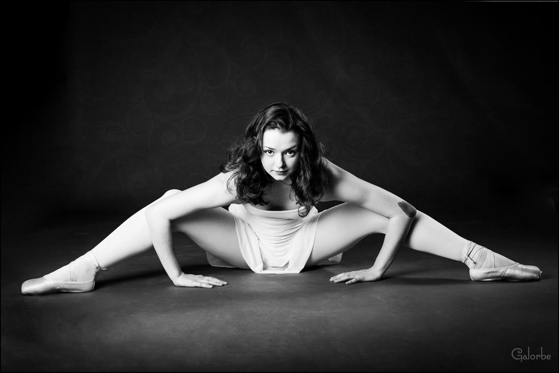 Iliana danse avec la lumière